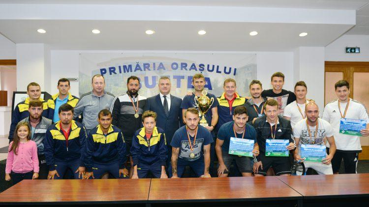 Primarul Pistol Gheorghe a felicitat echipa bufteană Ary & Roby Buftea pentru titlul național la Minifotbal